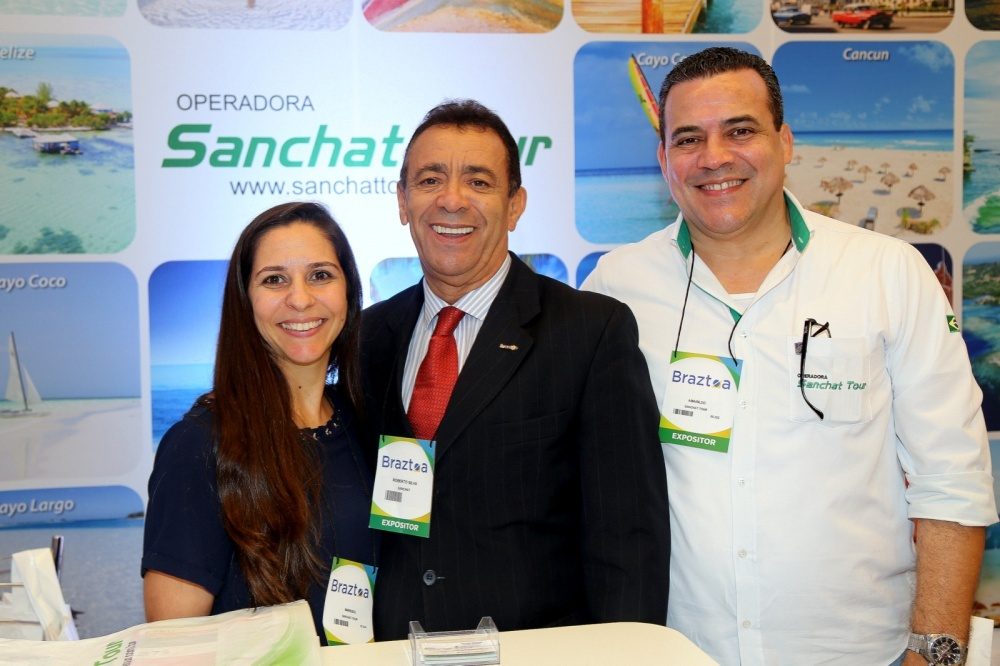 No stand da Sanchat Tour,do Mkt, Marrisol Ortolan e o Ceo, Roberto Silva ee do comercial,  Amarildo Limah